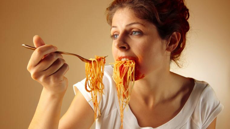 Disturbi alimentari: come si ripercuotono sui denti?