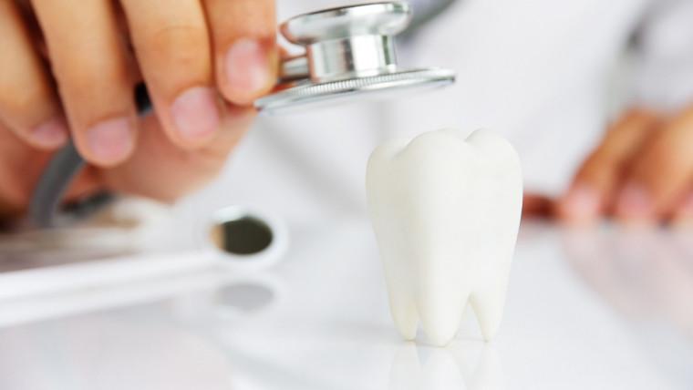 Visita di controllo: cos'è, quando farla e differenze con la visita d'igiene orale